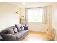 1 bedroom flat in Harewood Terrace, Southall, UB2