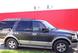 2005 Ford Expedition, fully loaded!