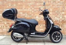 Vespa GTS 300cc (17 REG), Immaculate Condition, Only 79 Miles, Vespa Top box