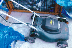 Small Electric lawn mower for sale. Good condition.  Pick up.