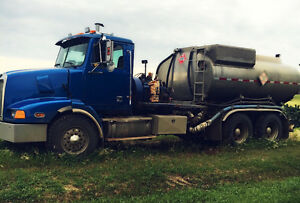MUST SELL, MAKE OFFER 2001 Western Star Pressure Truck