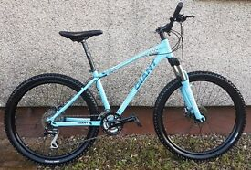 """FOR SALE BRAND NEW GIANT TALON - MOUNTAIN BIKE - 26"""" WHEELS - DISC BRAKES - POSSIBLE DELIVERY"""