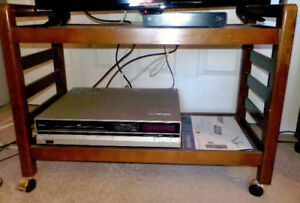 Excellent Condition Mobile TV Stand/Cart-Smoke/Pet Free-MOVING