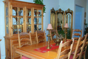 DINING TABLE - SOLID PINE
