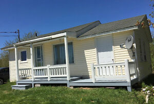 One Bedroom Country Style House  - 20 Minutes Away from Moncton