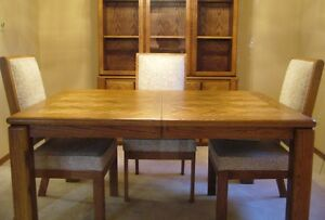 7 FOOT SOLID OAK DINING ROOM TABLE, and CHINA CABINET