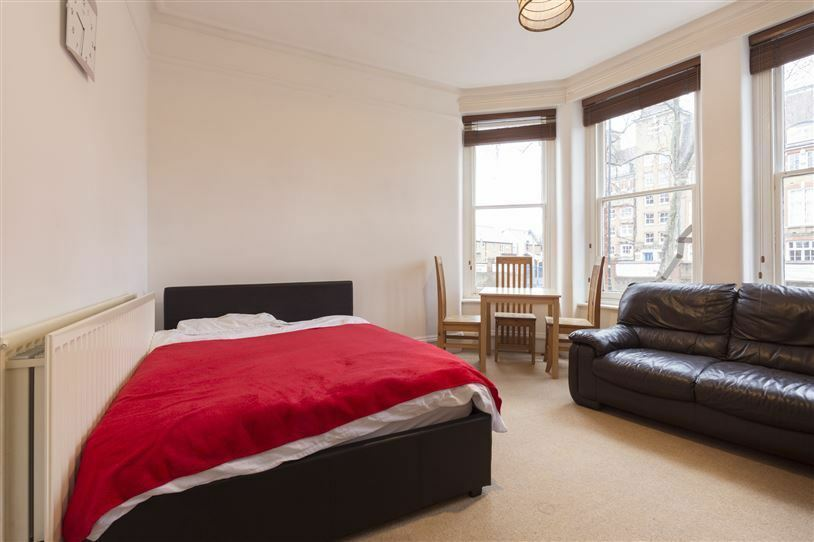 East Putney/Zone 2/near station - Gorgeous bedroom !