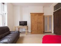 Large room in Zone 2 / East Putney Near Station / Short and Long Term considered / Available now !