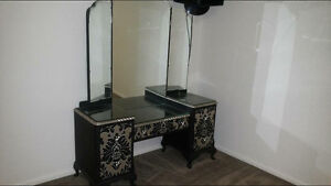 Antique dressing table Castle Hill Townsville City Preview