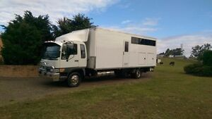 2002 Hino 5 horse truck with living Bootawa Greater Taree Area Preview