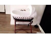 Izzywotnot wicker moses basket, dark