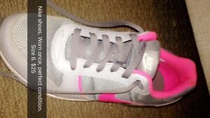 Nike shoes Size 6 Trinity Park Cairns Area Preview