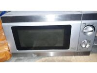 Medium sized microwave oven bargain Sat £7