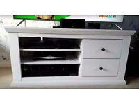 White corner TV stand