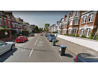 Furnished self-contained studio flat available in Cricklewood,Housing Benefit and DSS accepted.
