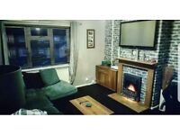 One Bedroom First Floor Flat. Looking for a 1/2 Bedroom Flat or House