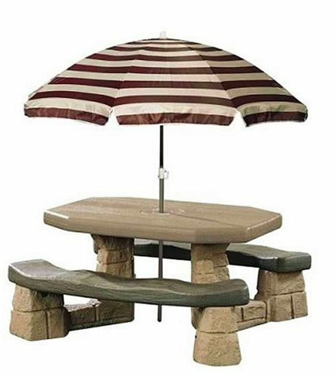 Step2 Naturally Playful Picnic Table With Umbrella In