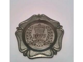 Vintage 1977 silver jubilee solid pewter ashtray/trinket dish made by bpc