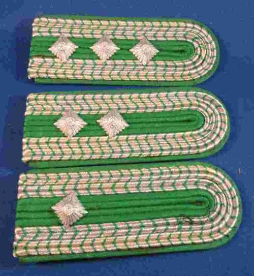 Germany - Epaulettes/Shoulder Boards - Metallic Thread - Lot E -