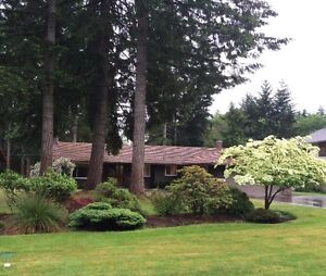 Rancher on 1/2 acre Courtenay, BC