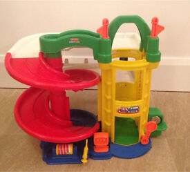 Fisher price little people toy garage with lift and petrol pump