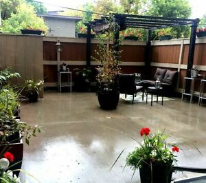 INCREDIBLE DOWNTO CONDO SHORT-TERM RENTAL HUGE PATIO AND KITCHEN