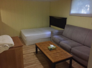Female student looking for female roommate
