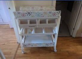 Cosatto changing table (with bath)