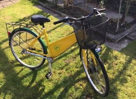 City Bike with disc brakes and shaft drive