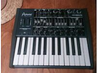 Arturia Mini Brute analogue synthesiser in excellent condition