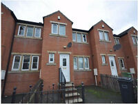 Mid Terrace Town House - Large Property, 10 Min Walk To University - Carr Green Lane, Moldgreen, HD5
