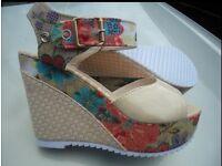 ladies/girls size 4 funky summer heels £3