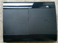 PS3 Slim 500 GB, two controllers and games in very good condition.