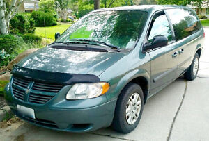 2005 Dodge Grand Caravan — low kms