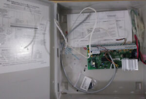 DSC5010 Security System Controller with Box / Used