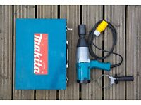 MAKITA 6906 110v IMPACT WRENCH, VGC, HARDLY USED IN THE 5 YEARS SINCE NEW. £180