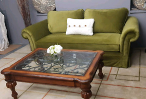 Classic Sofa ((Ethan Allen) & sofa chair / delivery available