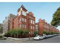 3 bedroom flat in Hamlet Gardens, Ravenscourt Park, W60