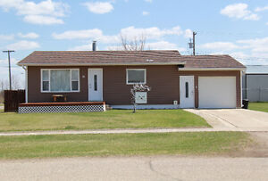 House for Sale in Beautiful Carberry, MB