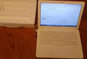 Macbook Laptop Mid 2010  and Charger