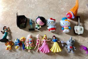 Lot 17 jouets pour 2$