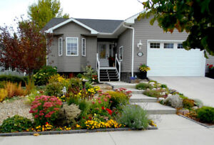 Beautiful 4 bed 3.5 bath home in sunny south (Taber)