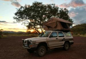 Campready Toyota 4Runner 4WD, Solarpower, Fridge, Camping Eqpmt