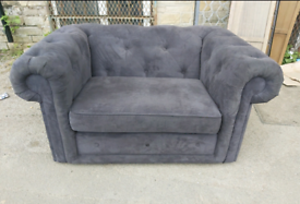 Snuggle Love Chair - Quality Extra Comfy Chesterfield Style Snuggle Lo
