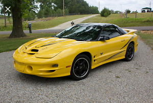 2002 Pontiac Trans Am Coupe (2 door)