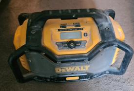 DeWalt DCR027 Bluetooth Dab radio