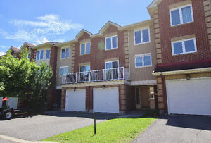 Power Marketing Real Estate: 3 Bedroom Townhouse for Sale