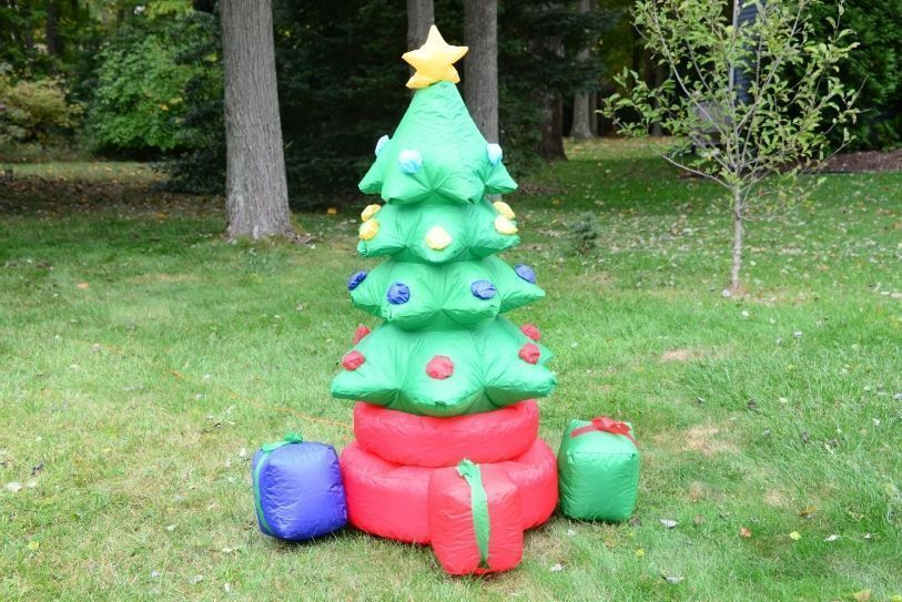 5' Rotation Christmas Tree Outdoor Lighted Airblown Inflatable Santa