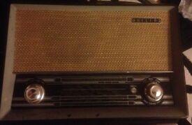 Philips Vintage Radio B3G75U