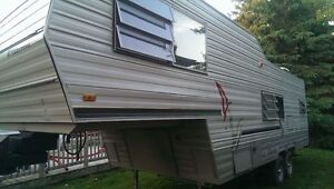 28' Fifth Wheel